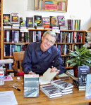 May 2002 - Mark Coggins signing at the SF Mystery Bookstore